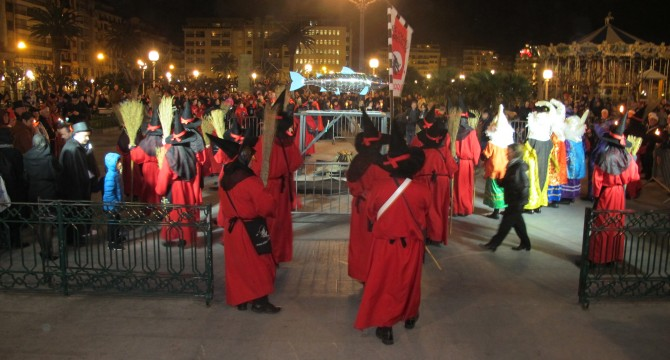 San Sebastien (Espagne) – Carnaval 2017 : l'enterrement de la «Sardine»